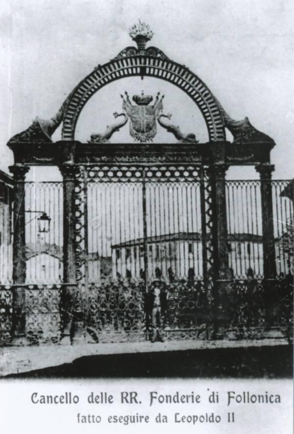 La vecchia Follonica cancello dello stabilimento
