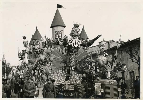 La vecchia Follonica Carnevale 1