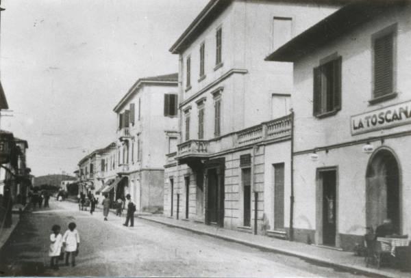 La vecchia Follonica la Via Roma