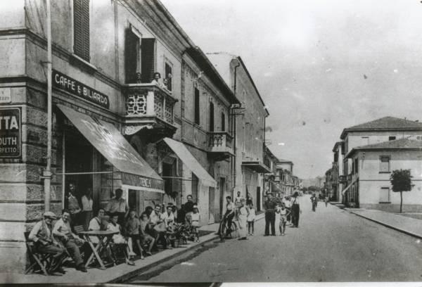 La vecchia Follonica via Bicocchi e Piazza Vittorio Veneto